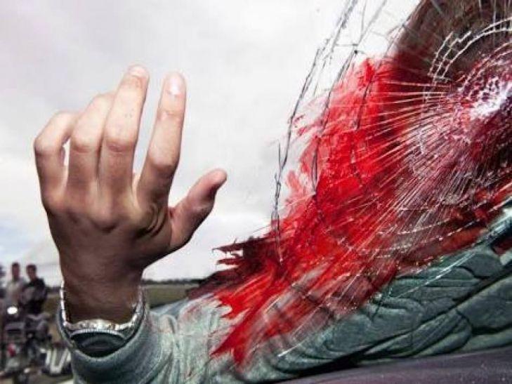 जौनपुर में रोडवेज बस और पिकअप में टक्कर, सात की मौत, पांच घायल