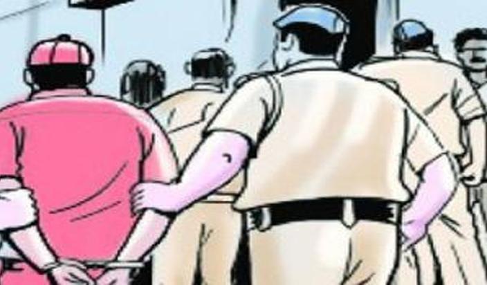 जौनपुर में मजदूरी करता पकड़ा गया औरैया में हत्या का आरोपी
