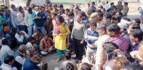 ग्रामीणों ने पांच घंटे लगाया जाम