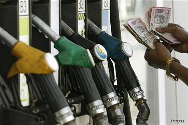 नए साल के पहले दिन महंगाई का झटका, पेट्रोल, डीजल और रसोई गैस के दाम बढ़े