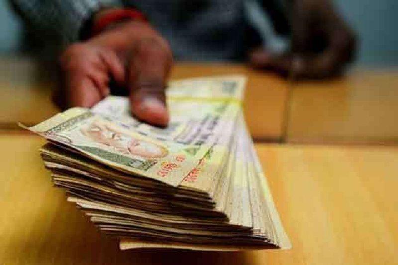 जौनपुर में दो बैंक खाते में आये डेढ़ करोड़ रूपये, मचा हड़कंप
