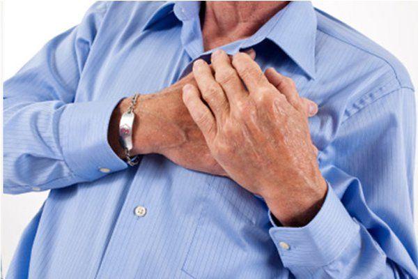 दिल के डॉक्टर को फ्लाइट में आया अटैक, इमरजेंसी लैंडिंग की, फिर भी नहीं बचा सके