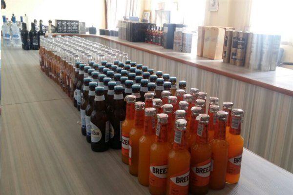 दिल्ली से लेकर आए थे शराब के विदेशी ब्रांड्स, नए साल पर थी सप्लाई की तैयारी