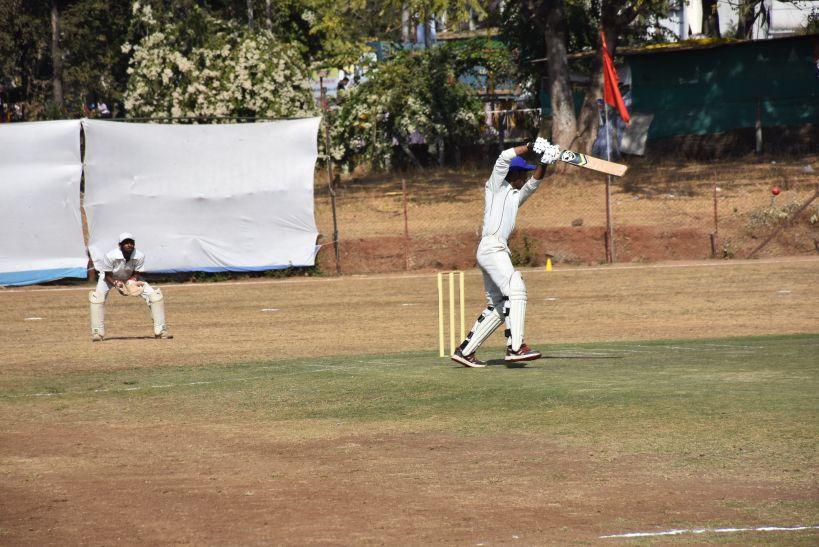 एकतरफा जीत दर्ज कर जबलपुर सेमीफाइनल में