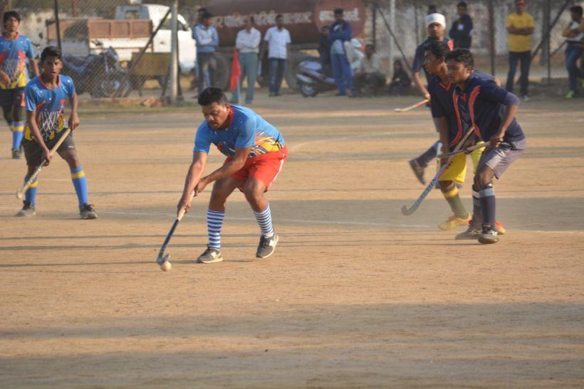 नपा परिषद और नेहरू स्र्पोटिंग क्लब ने जीते मैच