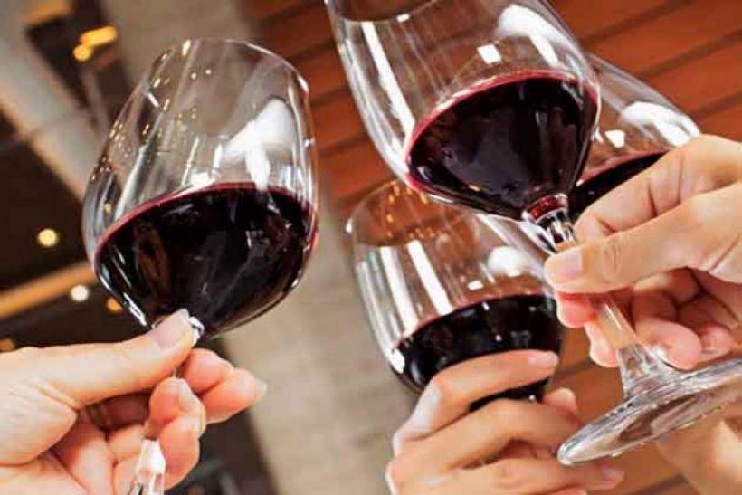 सूदखोरी : गंदा है ये धंधा- पैसे हड़पने के लिए लगा देते हैं शराब, चरस का चस्का