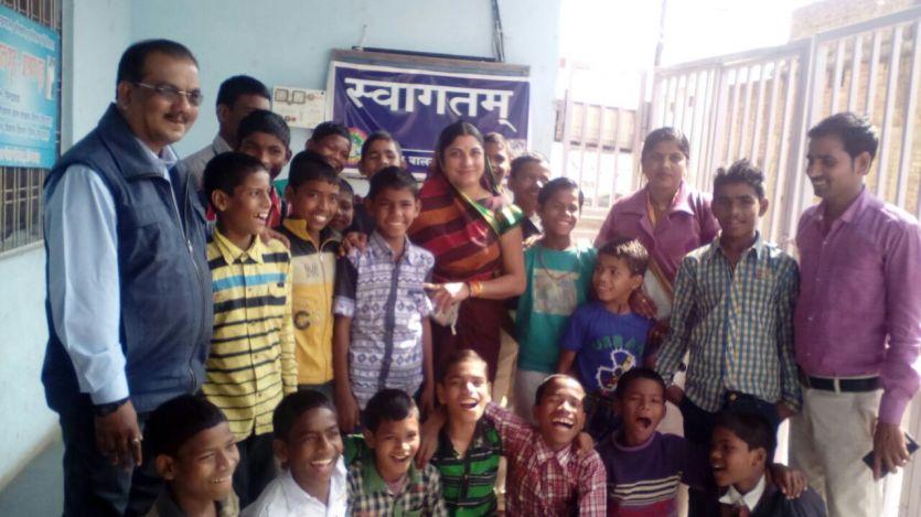 महापौर ने वंचित बच्चों के साथ मनाया नया वर्ष