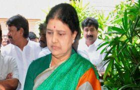 शशिकला मुख्यमंत्री पद संभालें : थंबी दुरई