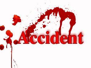 इंजीनियरिंग कालेज की छात्राओं से भरी बस पलटी, एक दर्जन घायल