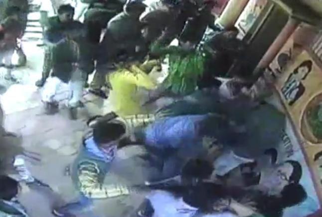 कैराना में फिर बवाल, बदमाशों ने स्कूल में घुसकर मचाया उत्पात