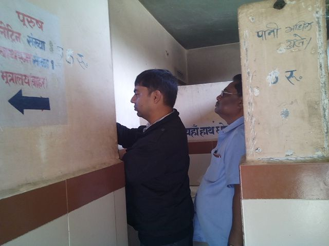 दिल्ली से आए अफसर ने जानी ओडीएफ की हकीकत