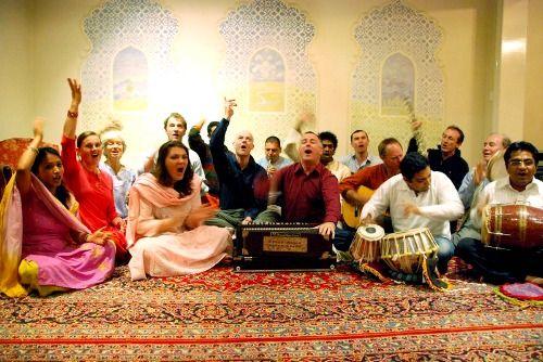 11 देशों के 85 कलाकार आज संस्कृत में गाएंगे भजन
