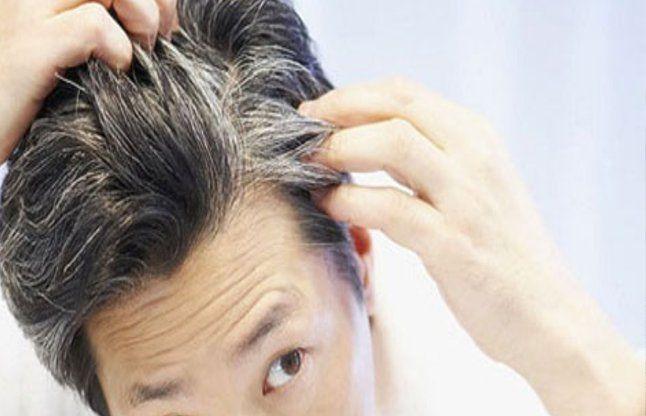 इन आदतों के चलते हो जाते हैं आपके बाल सफेद, न करें इग्नोर