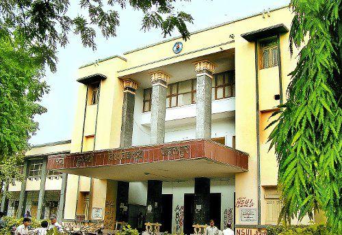 जबलपुर यूनिवर्सिटी द्वारा निर्धारित पाठ्यक्रम पर ही होगी परीक्षा