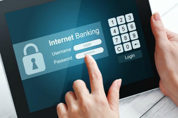 ऑनलाइन बैंकिंग से 200 करोड़ ट्रांजेक्शन करने का आकड़ा पार, बढ़ी यूजर्स की संख्या