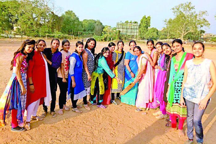 प्रीमियर लीग क्रिकेट में उतरेगी महिलाओं की टीम, लगाएंगी चौके-छक्के
