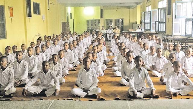 सरकार को रास नहीं रास आ रही संस्कृत विद्यालय की संस्कृति