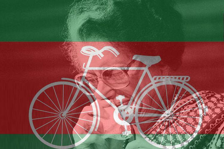 जिस साइकिल पर भिड़े हैं अखिलेश-मुलायम उसे ठुकरा चुकी थीं इंदिरागांधी