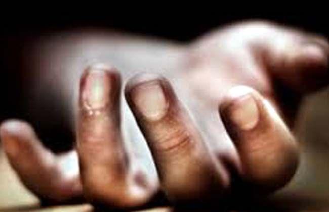 कर्ज के बोझ के तले दबे मजदूर ने की आत्महत्या, पेड़ से लटका मिला शव