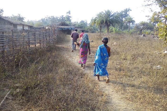 खौफ के साए में जीता है CG का यह गांव, लोगों ने बयां की खौफ की कहानी