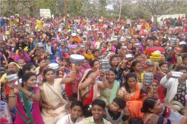 नेहरू पार्क में इकट्ठा हुए 11 सौ परिवार, जमकर लिया टिफिन पार्टी का लुत्फ