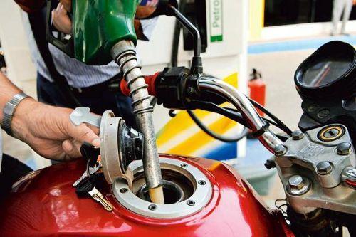 पेट्रोल 42 पैसे, डीजल 1.03 रुपए प्रति लीटर महंगा