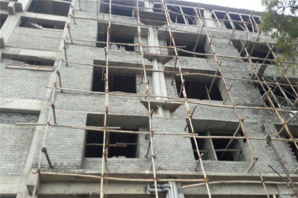 दर्दनाक हादसा: टूटी लिफ्ट में 6 मंजिल नीचे गिरा सुपरवाइजर, इलाज के दौरान तोड़ा दम