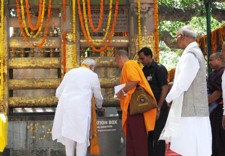 राज्यपाल ने विश्वदाय धरोहर महाबोधि मंदिर में भगवान बुद्ध को किया नमन