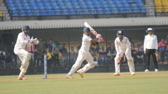 मुंबई के 228 रनों के जवाब में गुजरात 291/6, कप्तान पार्थिव पटेल शतक चूके