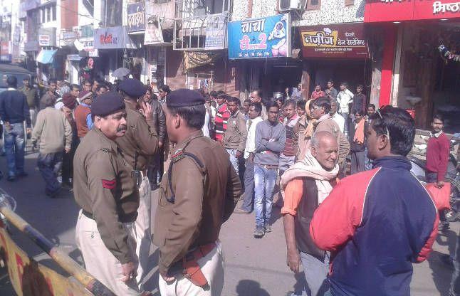 गौरव मामले में MLA गिरफ्तार, प्रदर्शनकारियों का टैंट गायब, मौके पर भारी पुलिस