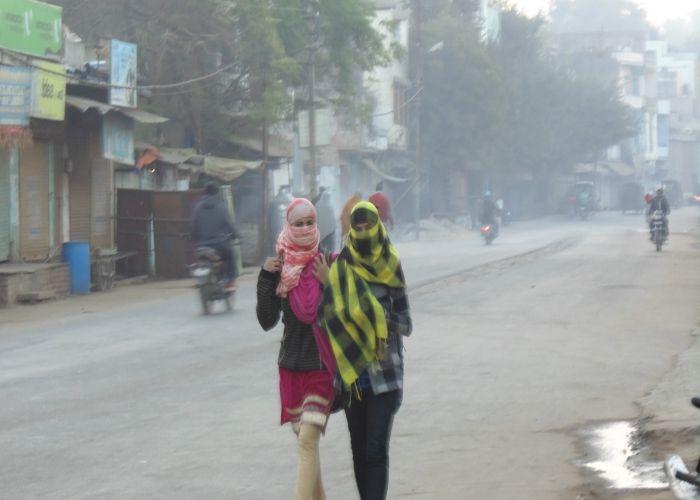 जिले में सर्दी का सितम, 4.8 डिग्री पर पहुंचा पारा