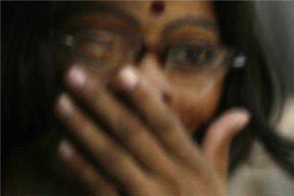 काम पर जा रही महिला पर फेंका एसिड, बुरी तरह झुलस गया चेहरा
