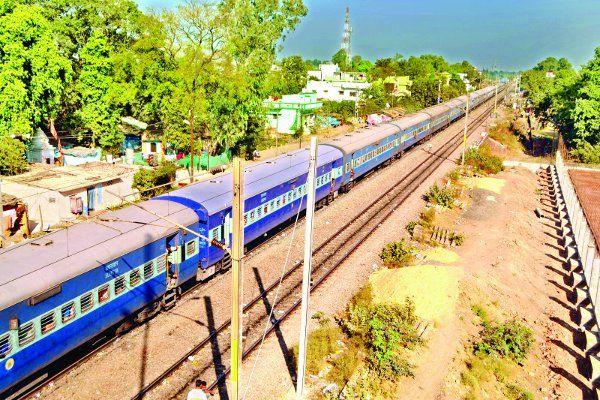 2018 से जबलपुर लाइन के ट्रैक पर दौड़ेंगे इलेक्ट्रिक इंजन