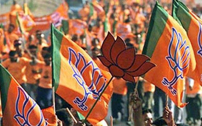 BJP आईटी सेल के प्रभारी ने की ब्राह्मण समाज की महिलाओं को लेकर अभद्र टिप्पणी