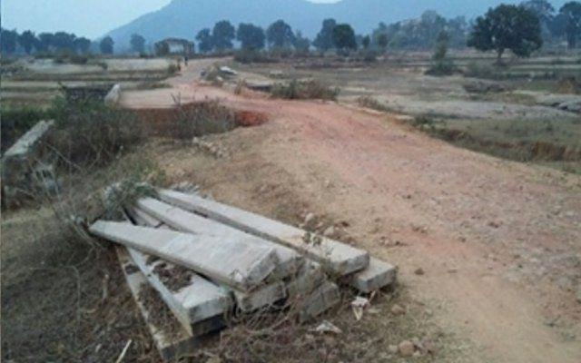देश के लिए शहीद हुआ जवान, फिर भी आज तक नहीं बदली गांव की तस्वीर