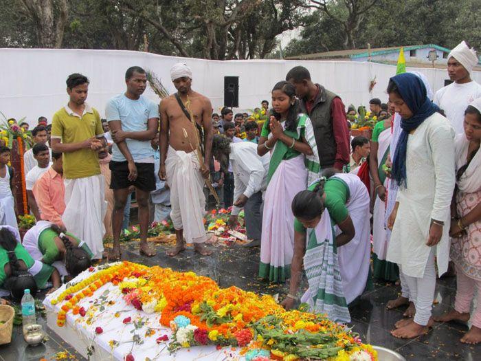 झामुमो व आदिवासी संगठनों ने लिया शहीद स्थल के शुद्धिकरण का फैसला