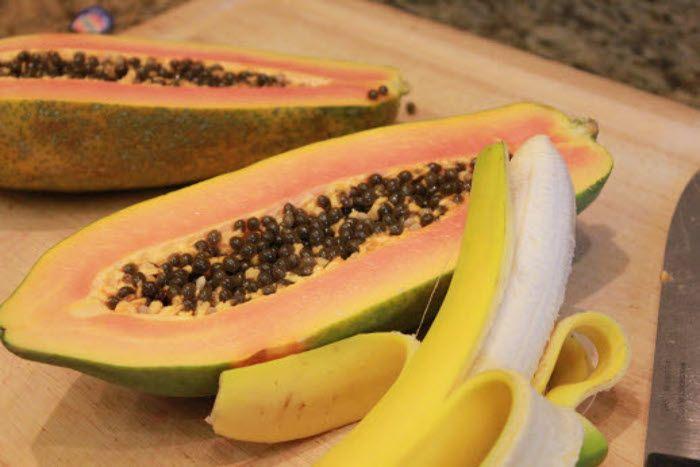 यदि आप अच्छी सेहत के लिए रोज खाते हैं केला-पपीता तो हो जाएं सावधान