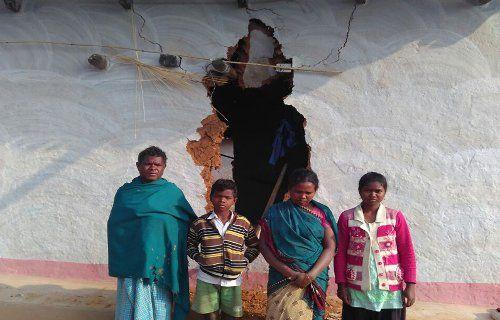 11 हाथियों से थर्राया यह इलाका, अब तक तोड़े 27 घर, उड़ा दी है लोगों की नींद