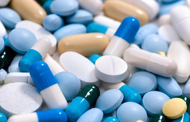 नि:शुल्क चिकित्सा शिविर में बांटी गई एक्सपायरी डेट दवा