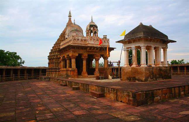 10वीं शताब्दी का आयुर्वेद कॉलेज, ये है 64 योगिनी मंदिर में 81 मूर्तियों का रहस्य