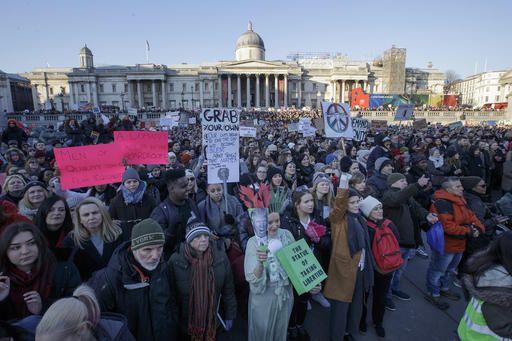 ब्रिटेन में अमरीका के नए राष्ट्रपति ट्रंप विरोधी विशाल रैली