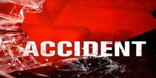 स्टेट हाइवे 77 पर अनियंत्रित ट्रक के कुचलने से 3 लोगों की मौत
