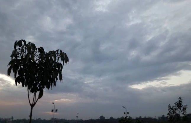 MP: मौसम वैज्ञानिकों का अनुमान, गरज चमक के साथ पड़ेंगी बौछारें