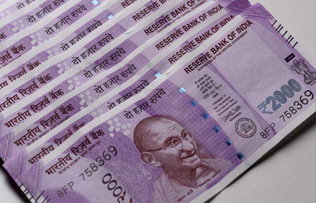 कार से 50 लाख के नए नोट बरामद, कटक से आगरा भेजे जा रहे थे रुपए