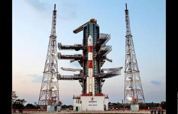 सिर्फ 500 रुपए में चांद पर लिखिए अपना नाम, स्पेस साइंटिस्ट करेंगे ये काम