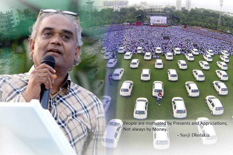 डायमंड मर्चेंट सावजी ढोलकिया ने फिर कर्मचारियों को दिया कार का तौहफा