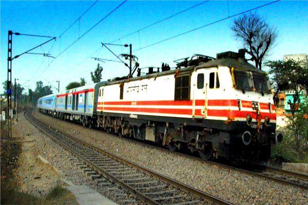 #BUGDET: सस्ता होगा रेल टिकट, IRCTC से बुकिंग कराने पर मिलेगा ये फायदा