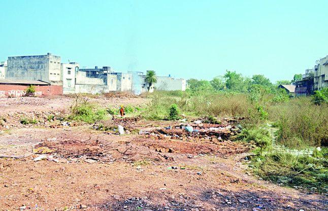 56 लाख रुपए में बेच दी अधिकारियों ने भैंसथान की ढाई करोड़ की जमीन