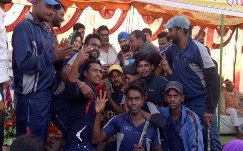चैलेंजर इलेवन बनी Cricket चैंपियन, हर 'चौके-छक्के' पर नाचीं 'चीयरGirls', देखें Video