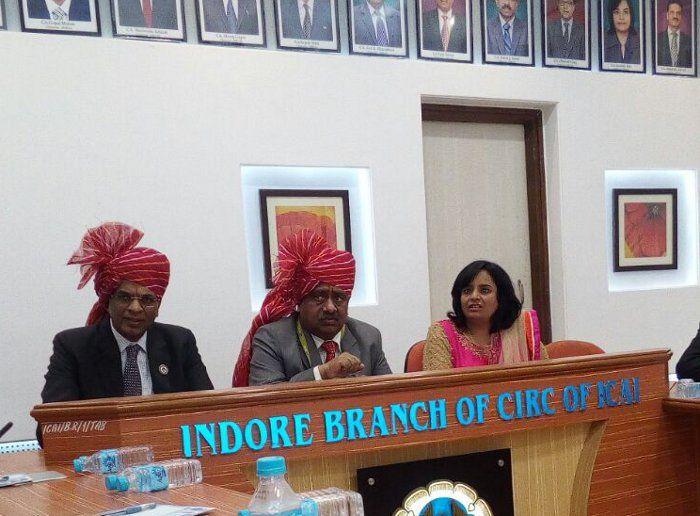 नोटबंदी में चार्टर्ड अकाउंटेंट्स की भूमिका और चार्टर्ड अकाउंटेंट्स ऑफ इंडिया द्वारा की जा रही जांच पर अपनी राय दें?